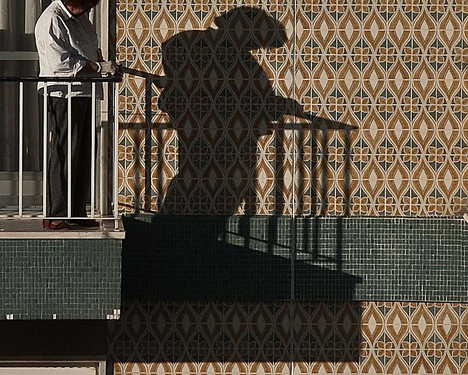 "фото ""Balcony"" метки: архитектура, город, Португалия, люди"