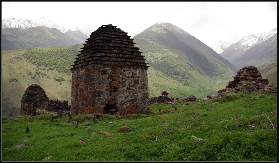 """фото """"Склеп"""" метки: пейзаж, горы, склеп"""