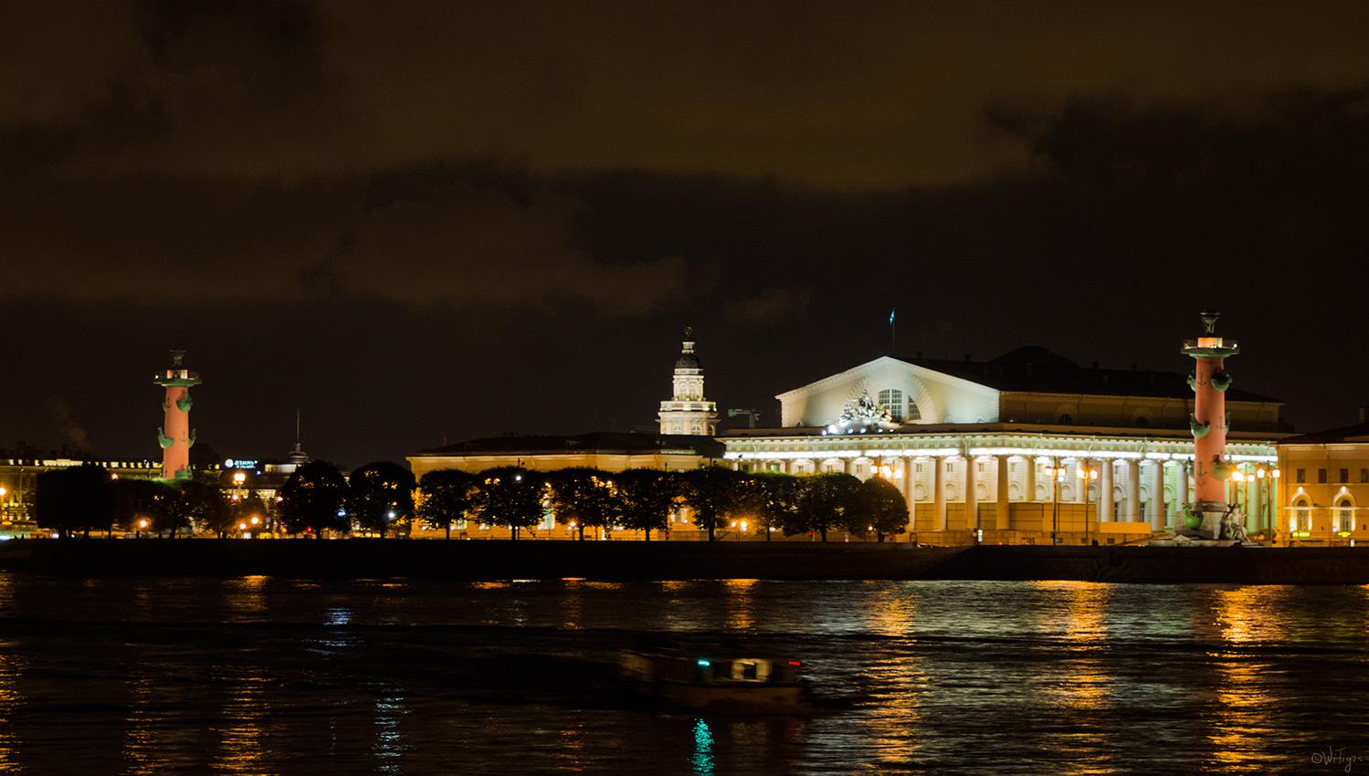 """фото """"***"""" метки: архитектура, пейзаж, город, вода, здание, ночь, облака, отражения, река"""