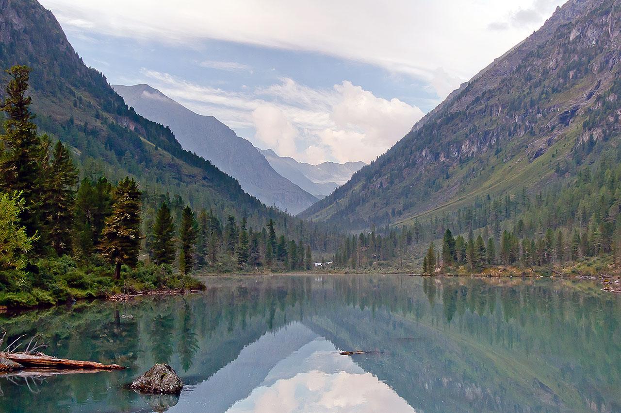 """фото """"Алтай. Озеро в горах"""" метки: пейзаж, путешествия, Алтай, горы, озеро"""
