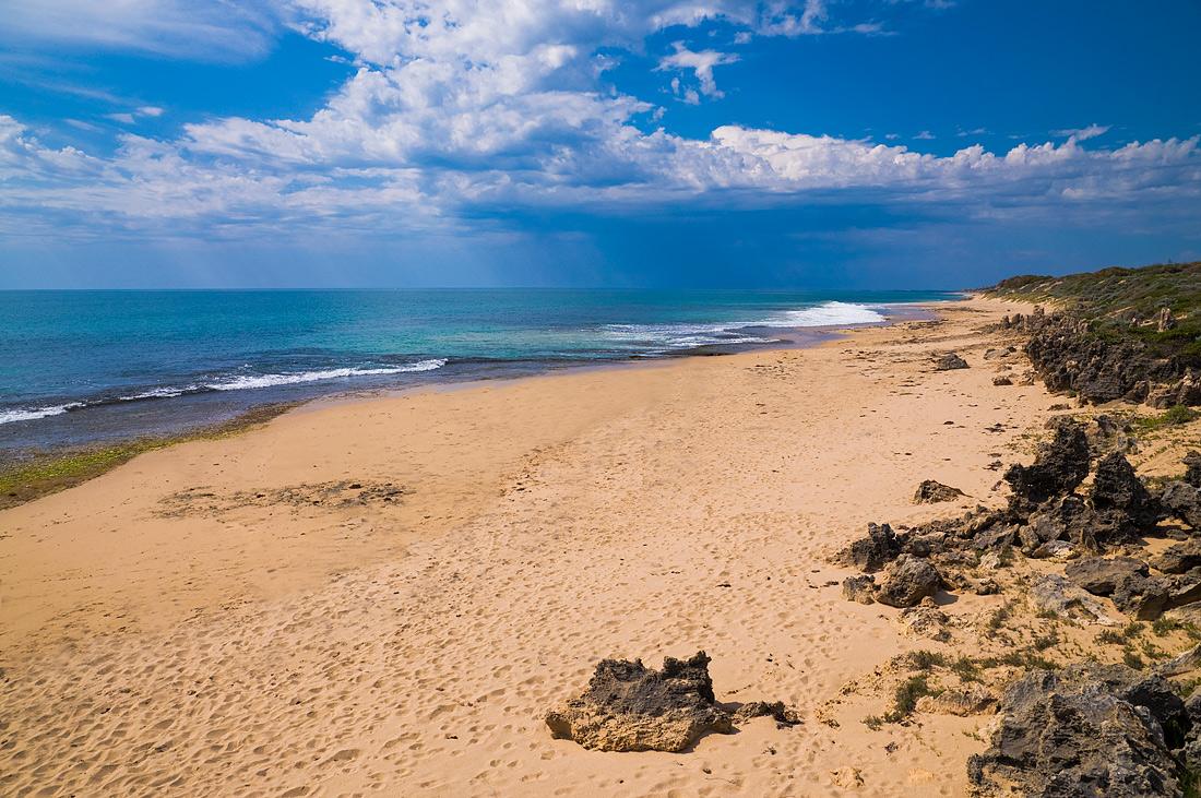 """фото """"Летний дождь"""" метки: пейзаж, Sand, beach, rain, sea, summer, waves, вода"""