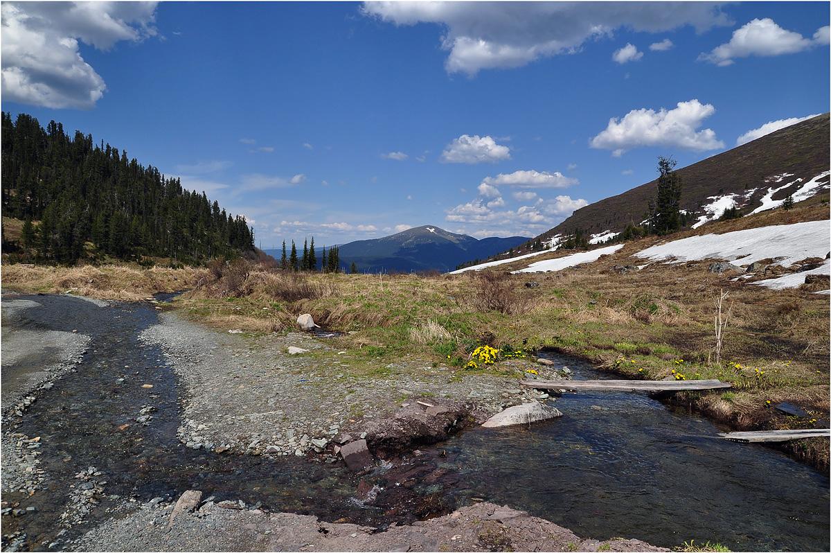 """фото """"Бегут ручьи"""" метки: пейзаж, путешествия, природа, Азия, весна, вода, горы, лес, облака"""