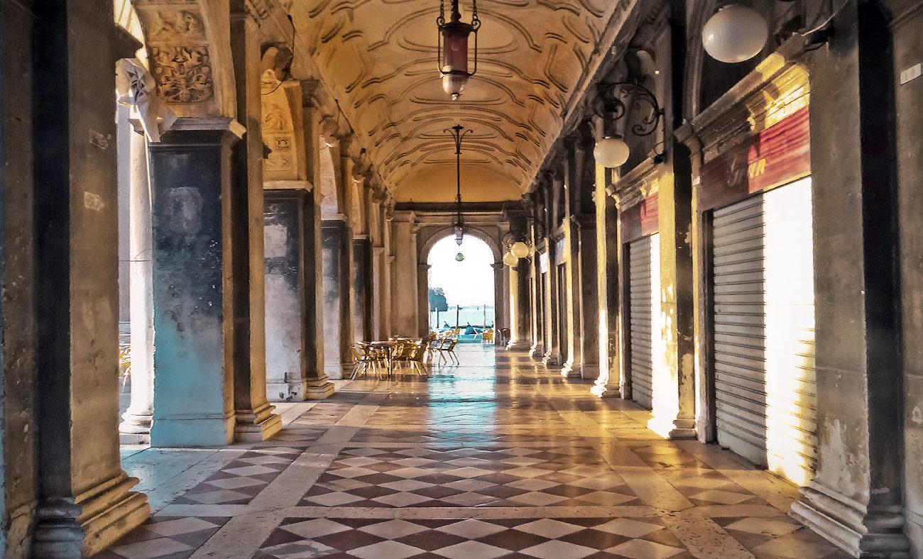 """фото """"В рассветных лучах...."""" метки: путешествия, архитектура, пейзаж, Венеция, Европа, Италия, прокурации, рассвет"""