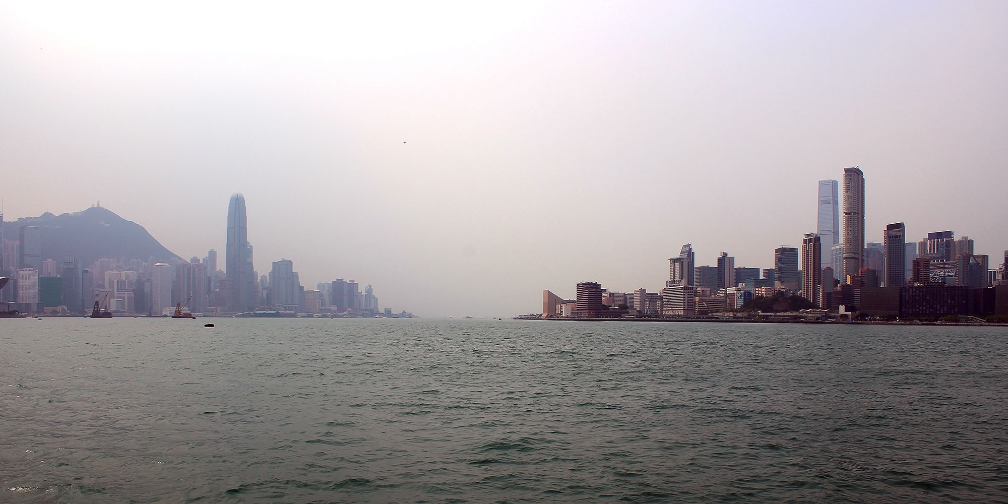 "photo ""Hong Kong from sea"" tags: panoramic, landscape, city, Asia, China, Hong Kong, Kowlon, South china sea, seascape, skyscrapers, Гонконг, Китай"