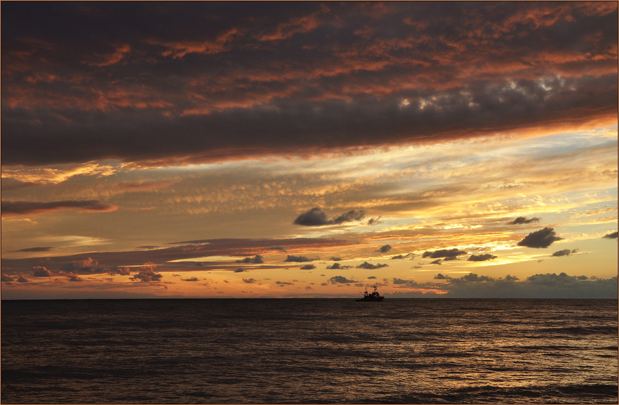"photo ""***"" tags: landscape, travel, misc., clouds, sea, ship, sunset, water"