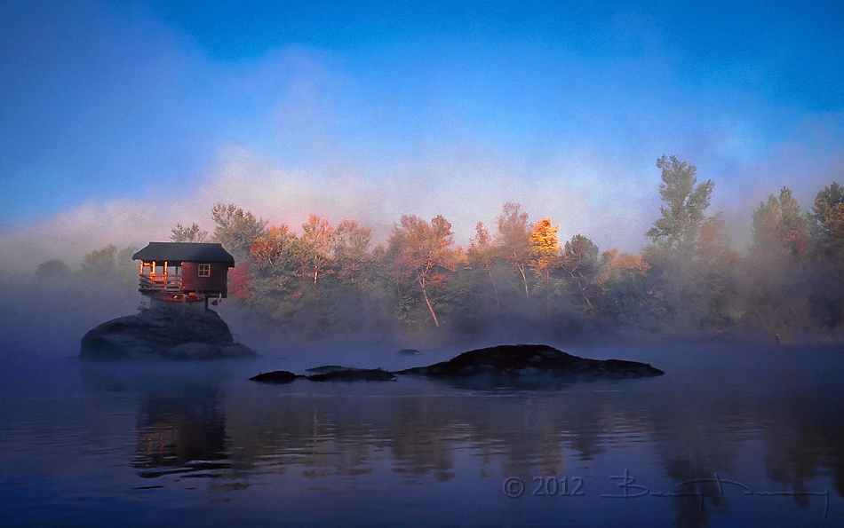"photo ""River_house_2"" tags: landscape, travel, Bajina Basta, Drina, Europe, Serbia, autumn, clouds, forest, mountains, spring, water"