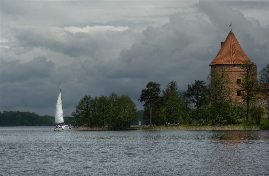 """фото """"Тучи над озером Гальве"""" метки: пейзаж, путешествия,"""