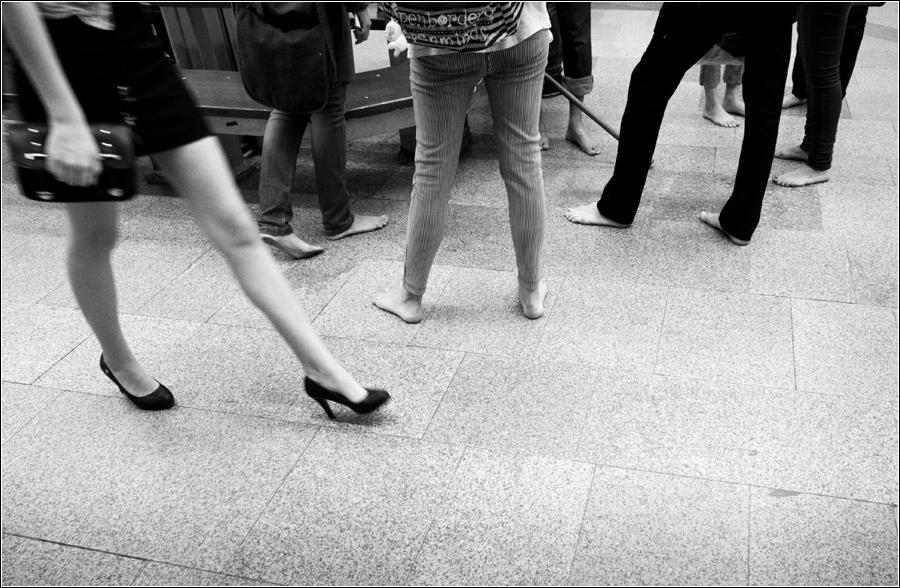 """фото """"Ножки"""" метки: стрит-фото, Стрит, метро, ноги"""