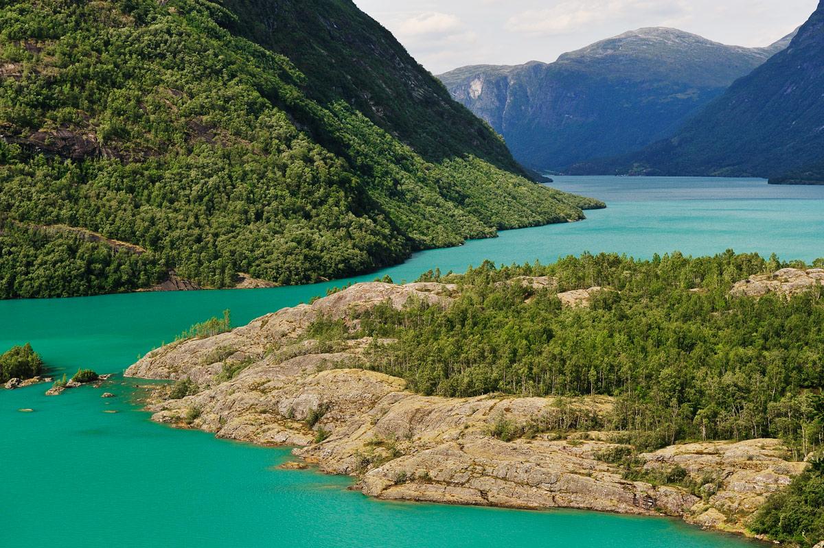 """фото """"Изумрудные озёра Норвегии"""" метки: пейзаж, фрагмент, Европа, Норвегия, горы, лето, озеро, цвет"""