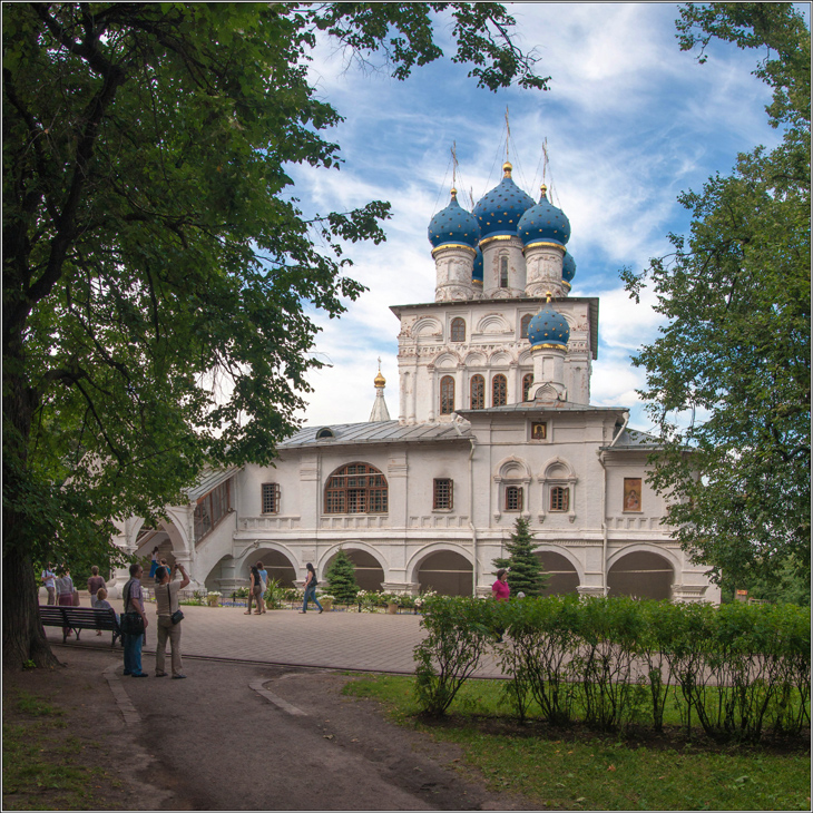 """photo """"***"""" tags: landscape, architecture, Moscow, Russia, temple"""