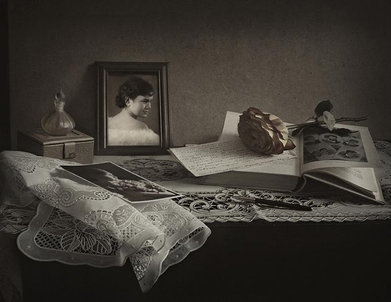 "фото ""С портретом молодой мамы"" метки: натюрморт,"