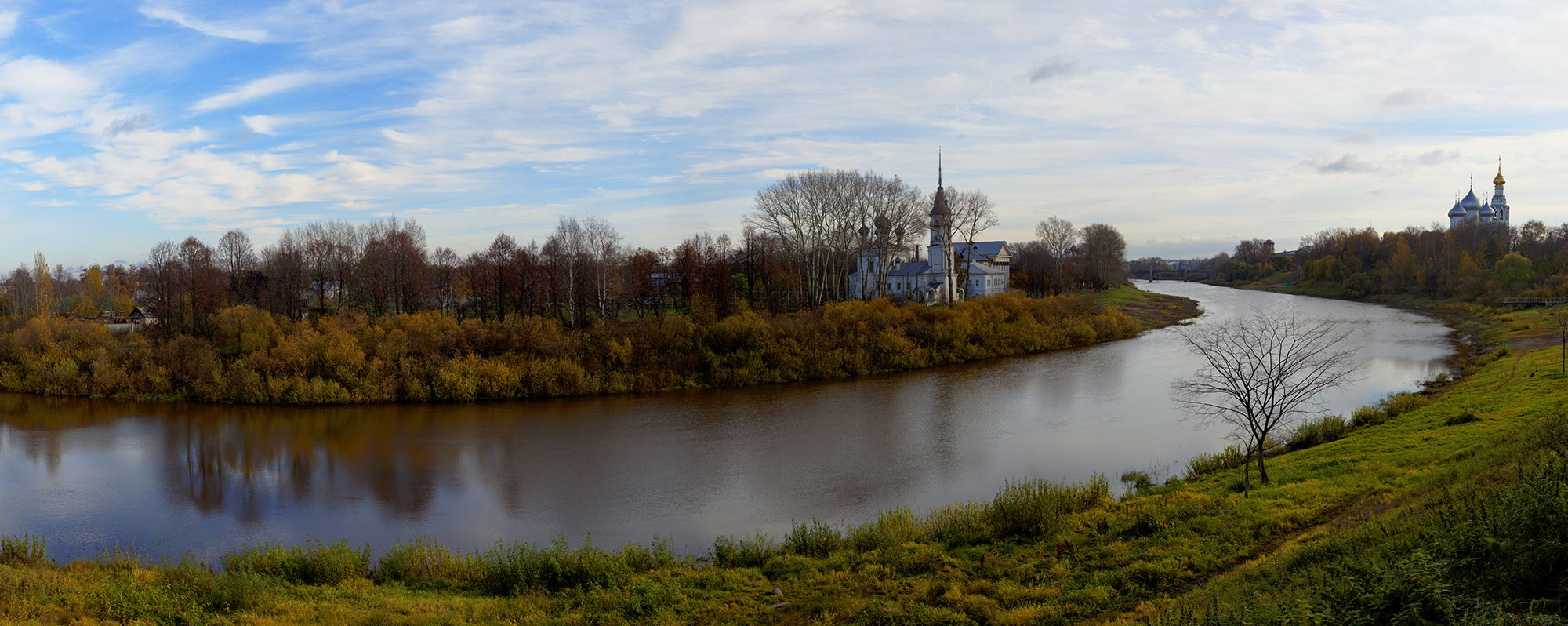 "photo ""***"" tags: , river, temple, Вологда, Сретение"