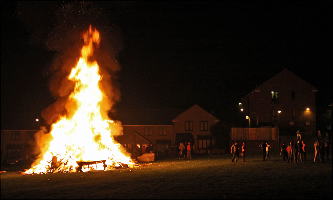 "photo ""Bonfire Night"" tags: street, reporting,"