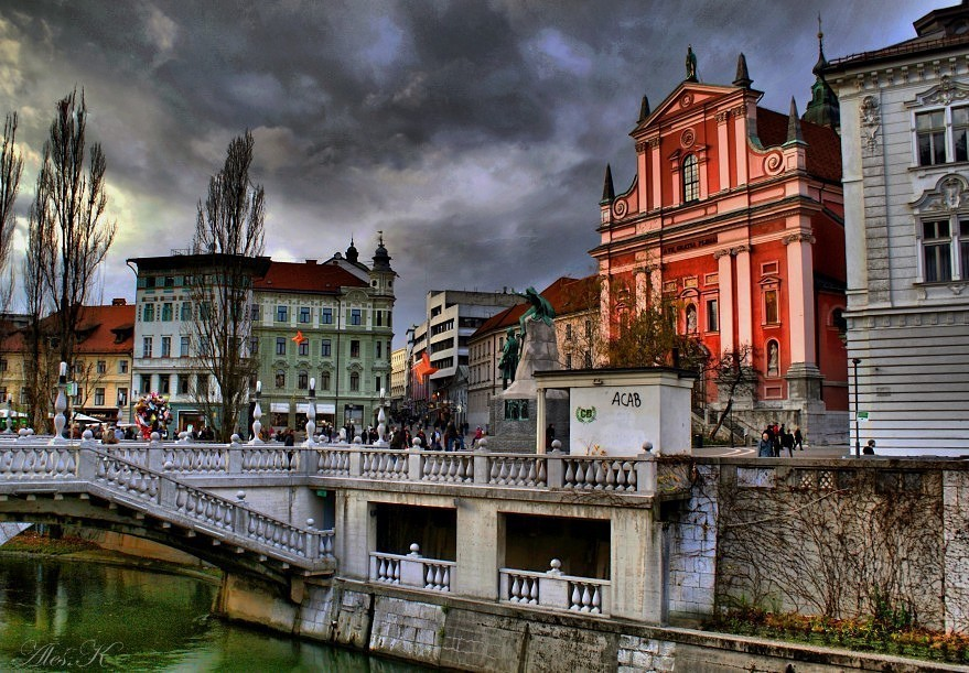 "photo ""Ljubljana"" tags: city,"