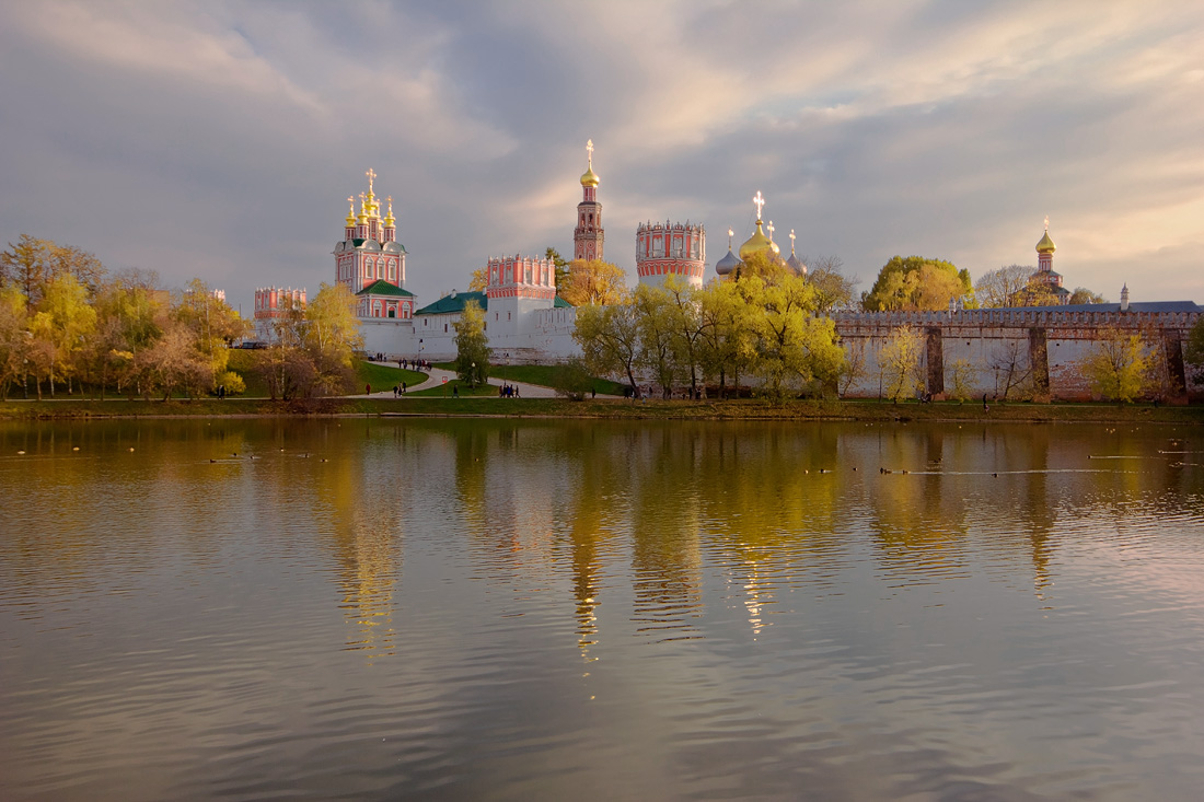 "photo ""Novodevichy monastery"" tags: landscape, autumn, evening, Новодевичий монастырь"