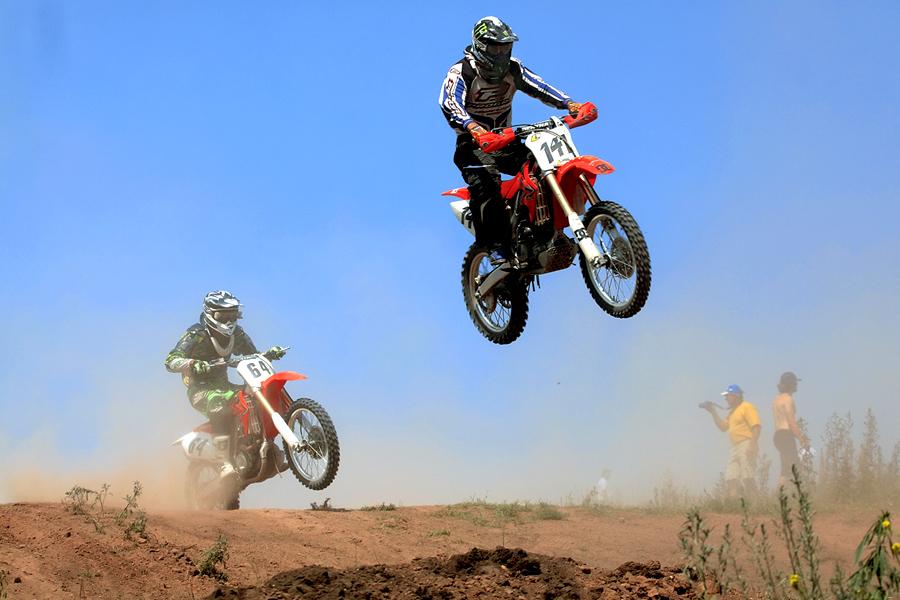 "фото ""кузнечики"" метки: спорт, репортаж, гонки на мотоциклах, мужчина"