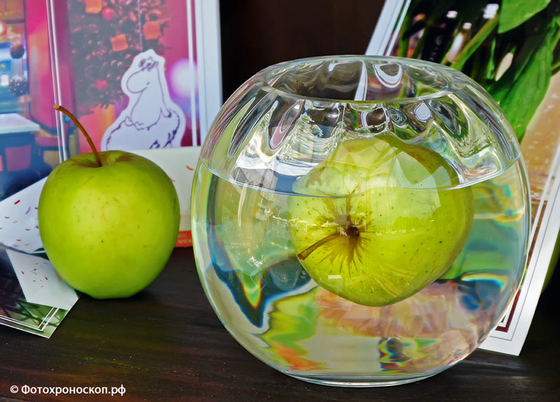 "photo ""***"" tags: still life, аквариум, яблоки, яблоко"