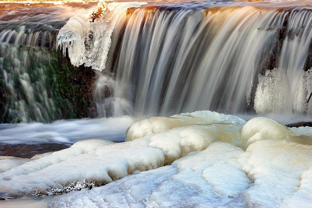 """фото """"Ледяной ручей"""" метки: пейзаж, вода, зима"""