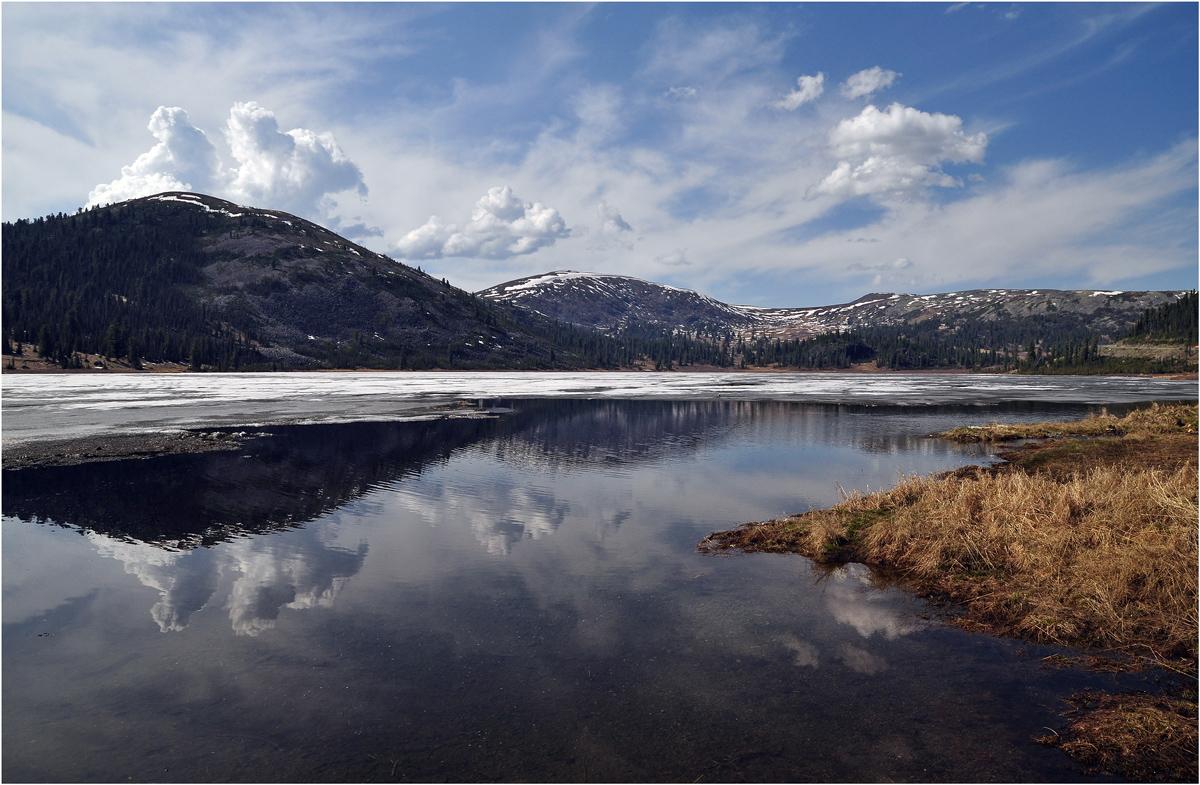 "фото ""Среди гор"" метки: пейзаж, путешествия, природа, Азия, весна, вода, горы, лес, облака"