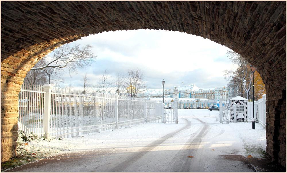 """фото """"Вид на Екатеринрнский дворец в октябре..."""" метки: архитектура, осень, первый сенжок, утро"""