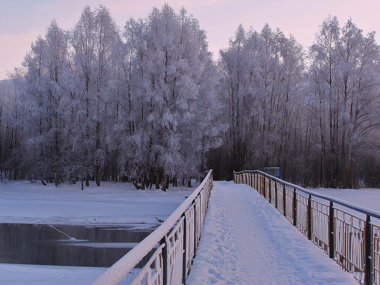 "фото ""Омсукчанка"" метки: пейзаж, иней, мост, река, снег"