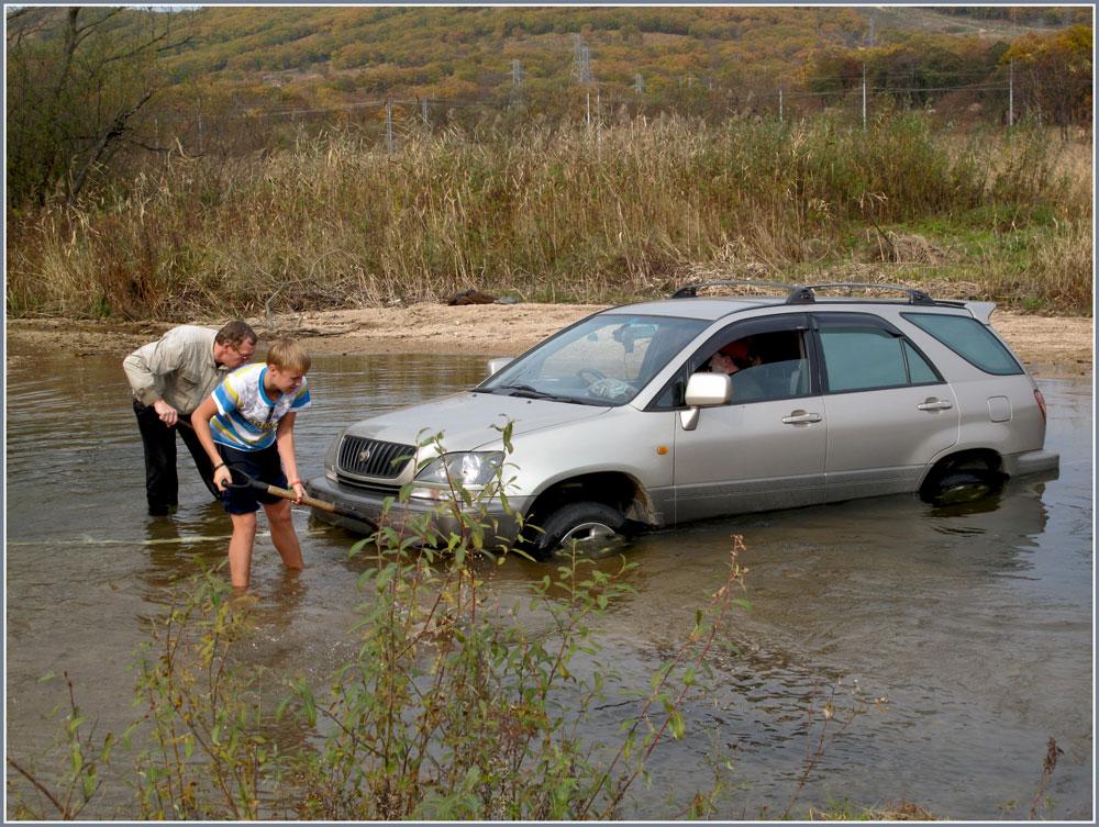 """фото """"Ох и трудная эта работа..."""" метки: жанр, репортаж, вода, осень, транспорт"""