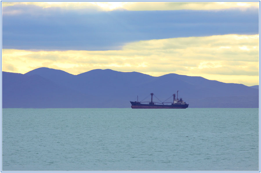 "photo ""***"" tags: landscape, autumn, sea, ship"