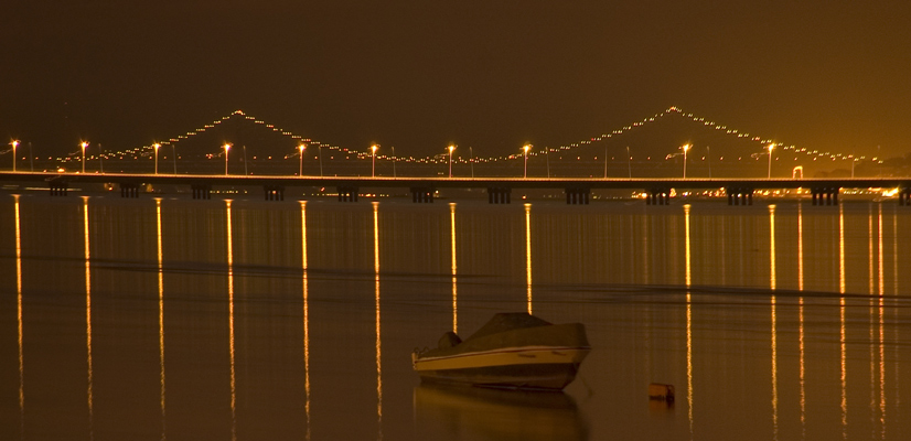 "photo ""Tagus Estuary"" tags: landscape, architecture, panoramic, Europe, Portugal, Tagus, Tejo, boat, estuary, night, river, water"