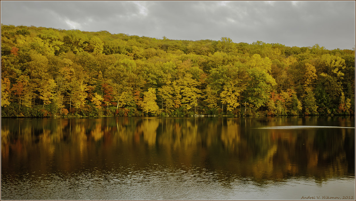 "photo ""* * *"" tags: landscape, Harriman State Park, autumn, clouds, foliage, forest, lake"
