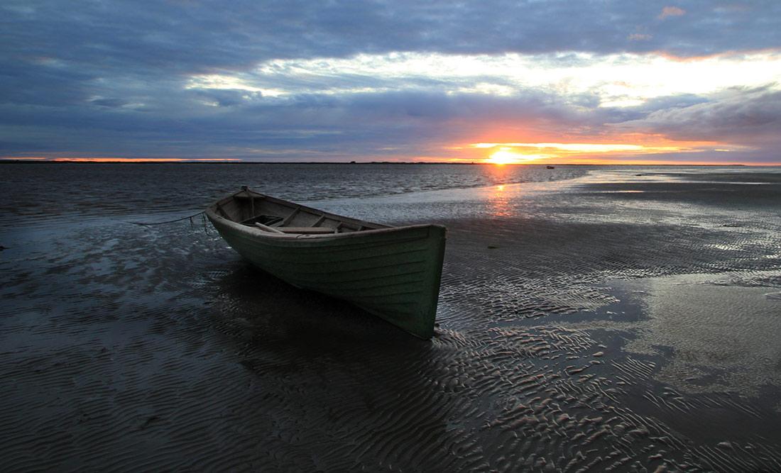 """фото """"Одинокая лодка на закате"""" метки: пейзаж,"""
