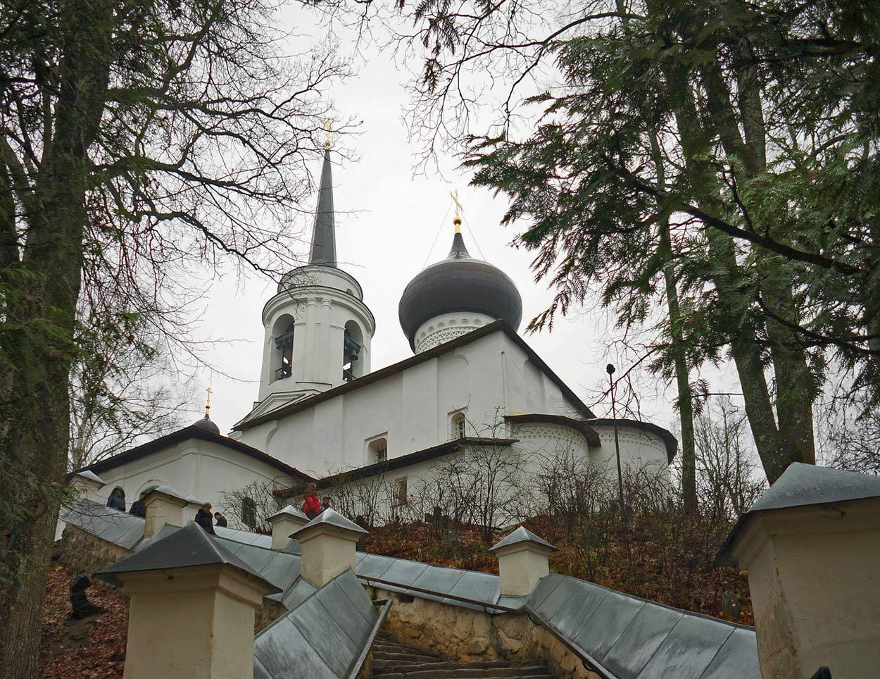 """фото """"Святогорский монастырь. Здесь похоронен А.С.Пушкин"""" метки: пейзаж,"""