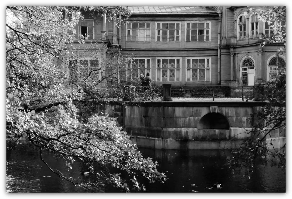 "photo ""***"" tags: genre, black&white, Nikon Coolpix P7000, St. Petersburg"