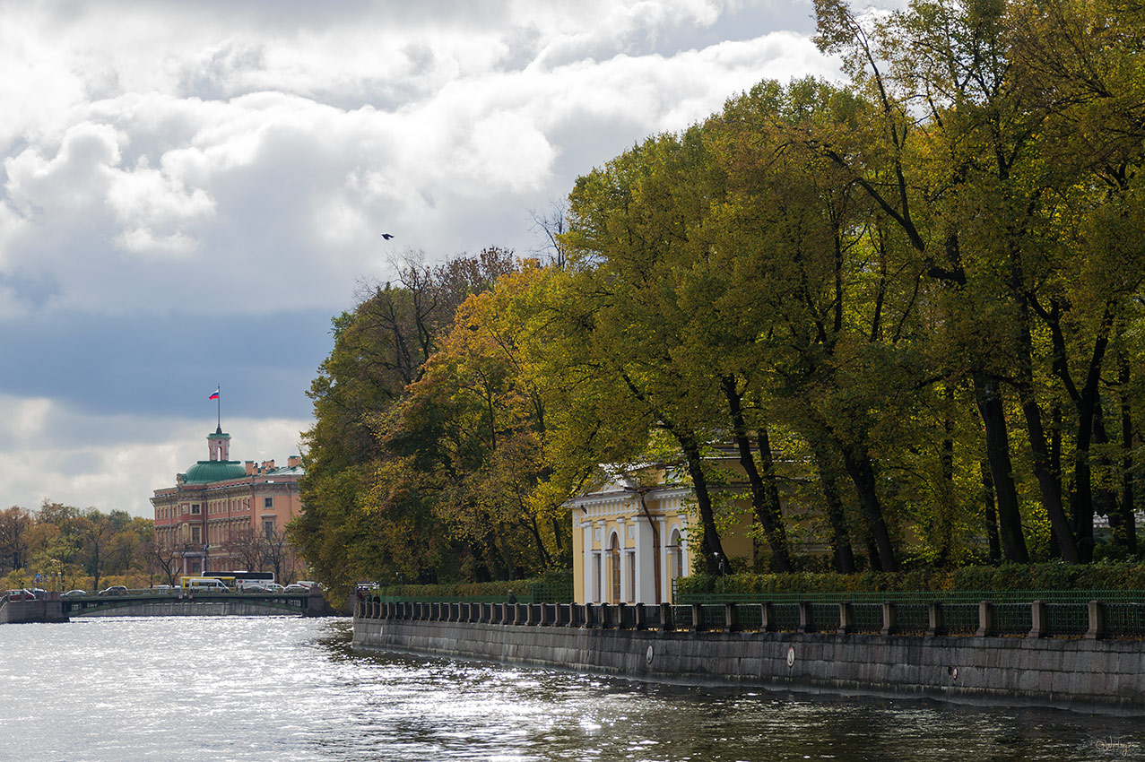 """фото """"На Фонтанке"""" метки: пейзаж, архитектура, город, вода, здание, облака, осень, река"""