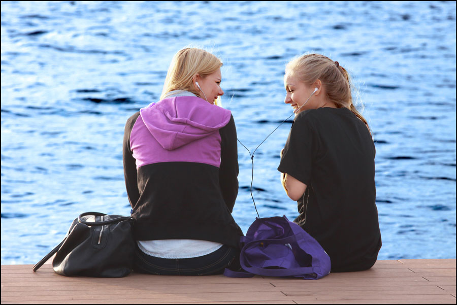 """фото """"Подружки"""" метки: стрит-фото, девушки, море, осень"""