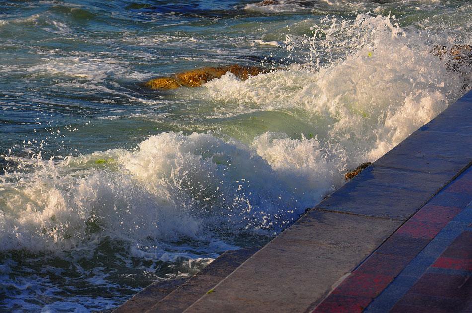 """фото """"Вечерняя волна"""" метки: пейзаж, фрагмент, волна, закат, море"""