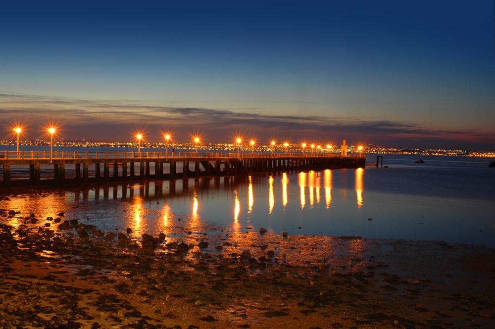 "фото ""PIER"" метки: архитектура, панорама, техника, Tagus, Tejo, estuary, harbour, Европа, Португалия, вода, ночь, отражения, река"