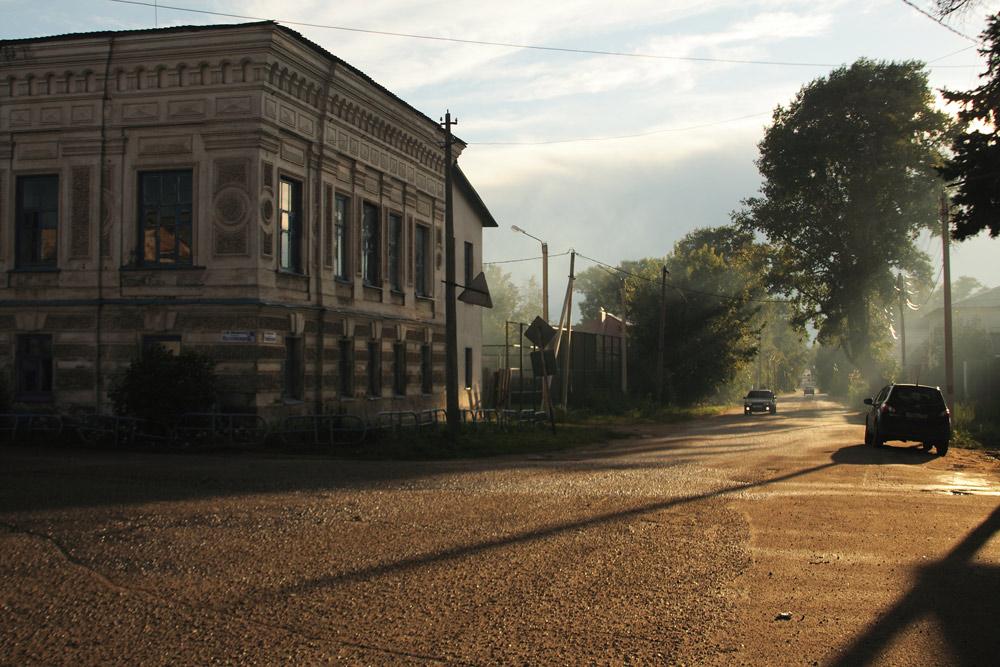 """фото """"На улочках Калязина"""" метки: пейзаж, архитектура, путешествия, Калязин, закат, улочки"""