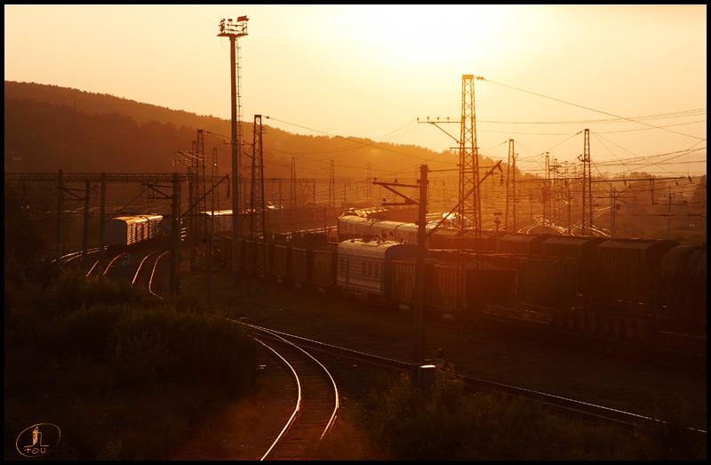 """фото """"Иркутск Индастриал"""" метки: техника, город, Иркутск, железная дорога, пути, рельсы, солнце"""