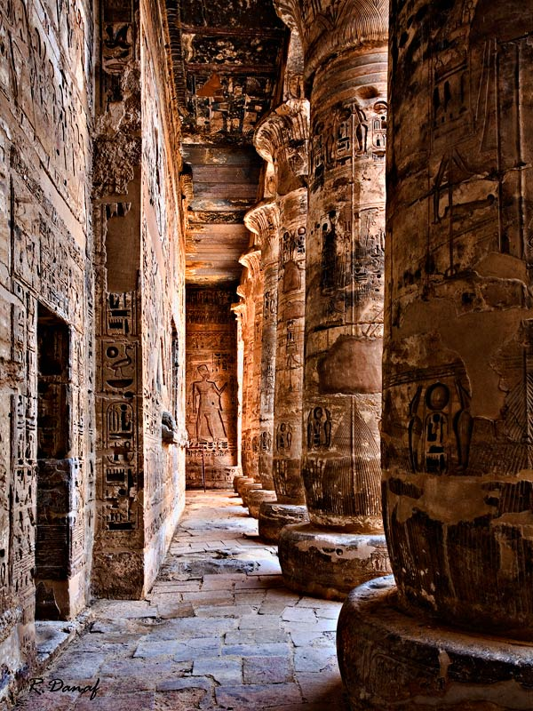 "photo ""Habu temple"" tags: travel, architecture, Africa, building, tourists"