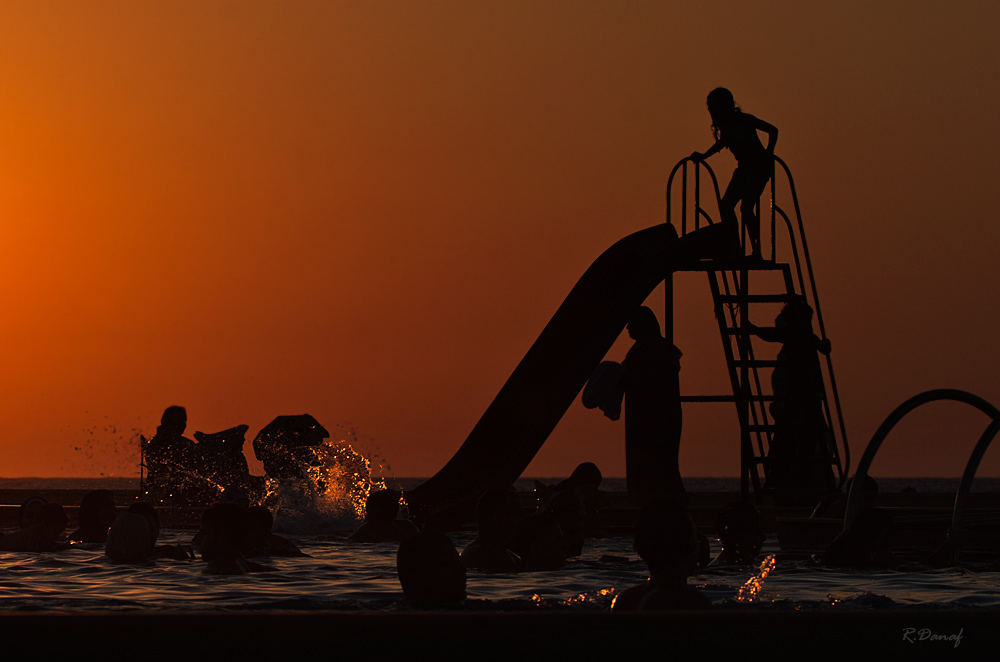 "фото ""Sunset play"" метки: жанр, вода, дети, закат, лето"