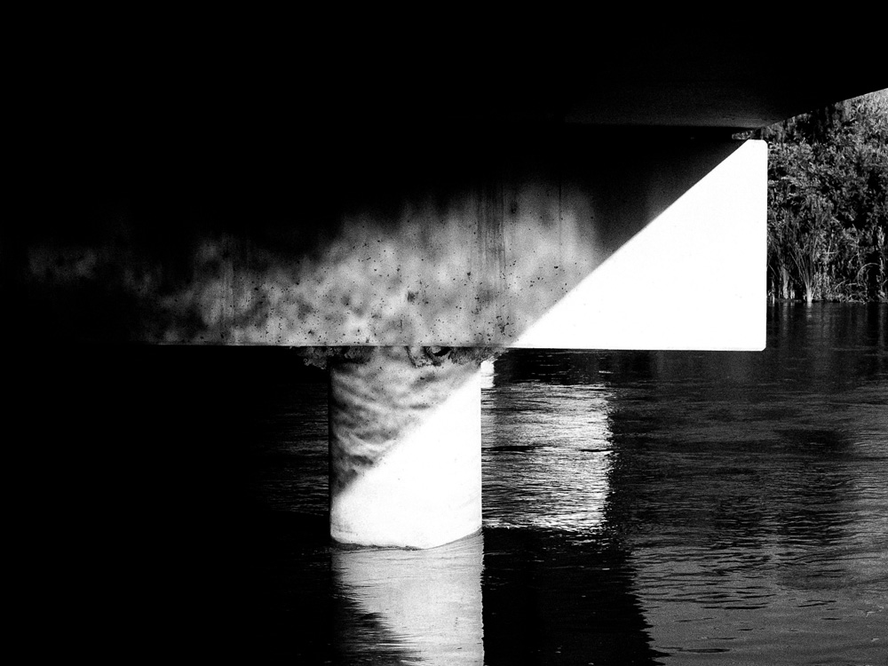 "photo ""The Bridge"" tags: abstract, black&white, Rio Grande"