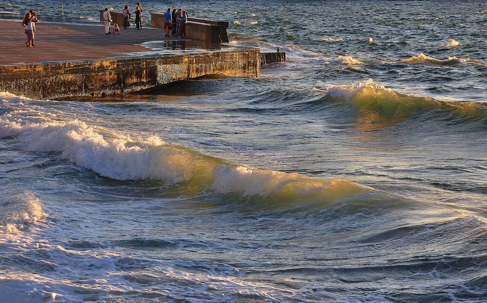 """фото """"Штормило слегка-2"""" метки: пейзаж, вечер, волны, море"""