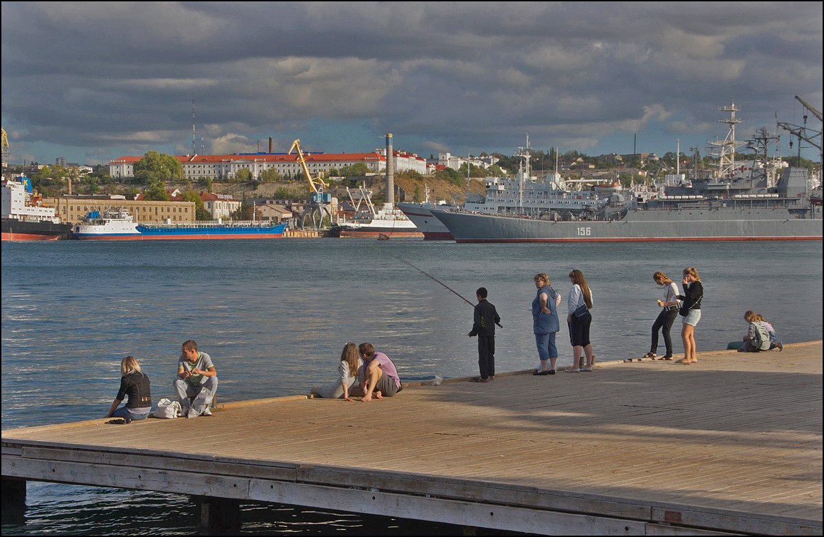 "photo ""On the pier"" tags: travel, street, Crimea, summer, Севастополь"