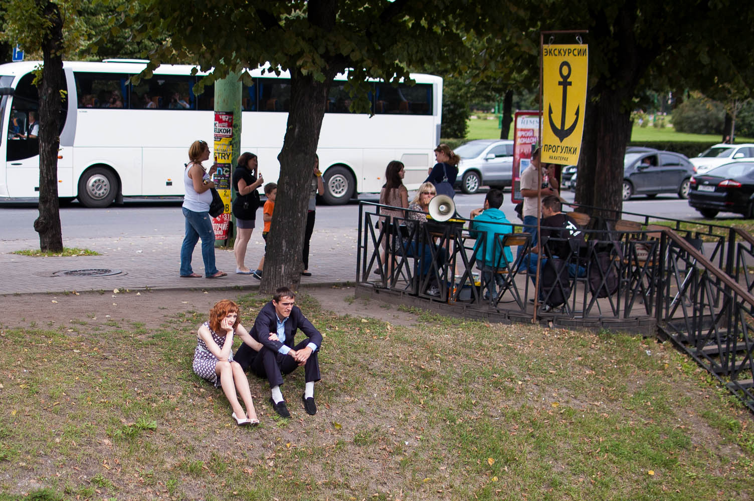 "photo ""Excursions, tours"" tags: street, genre, пара"