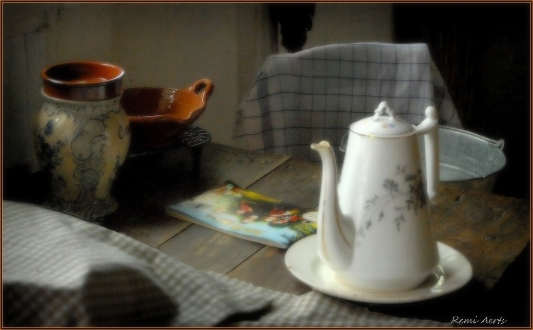 "photo ""***"" tags: still life, interior,"