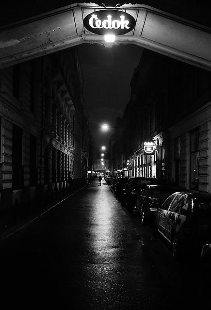 """фото """"Hочной улица"""" метки: черно-белые, Прага"""