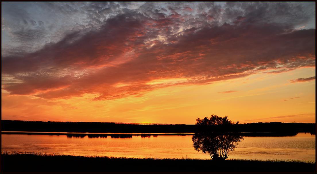 """фото """"***"""" метки: пейзаж, вечер, вода, закат, лето, небо, облака, отражения, пруд, река, село"""
