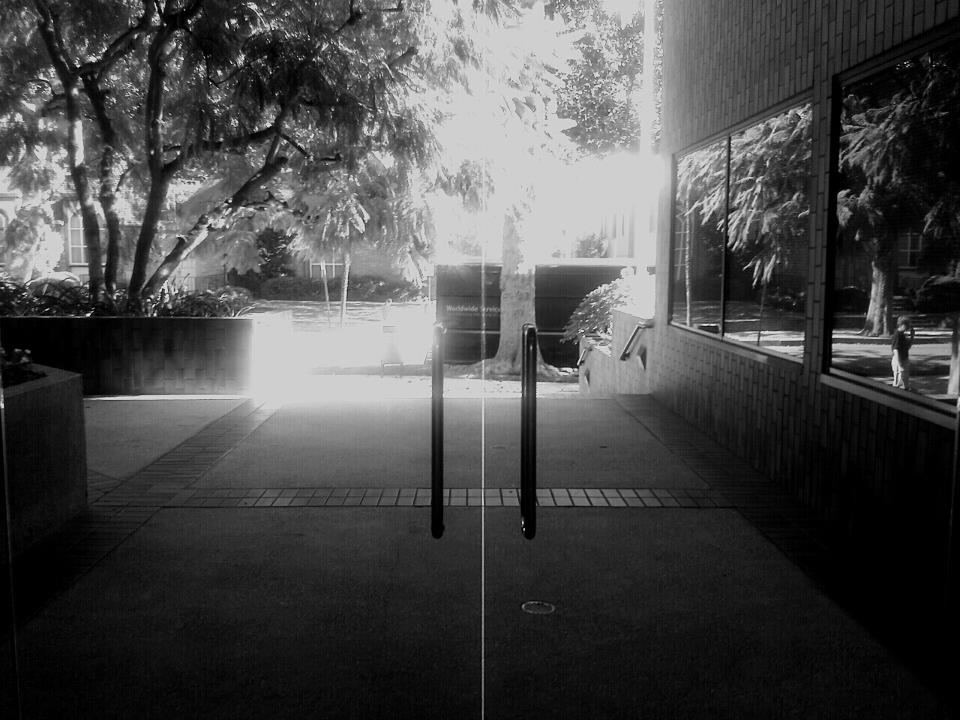 "фото ""Glass Doors"" метки: архитектура, пейзаж, черно-белые,"