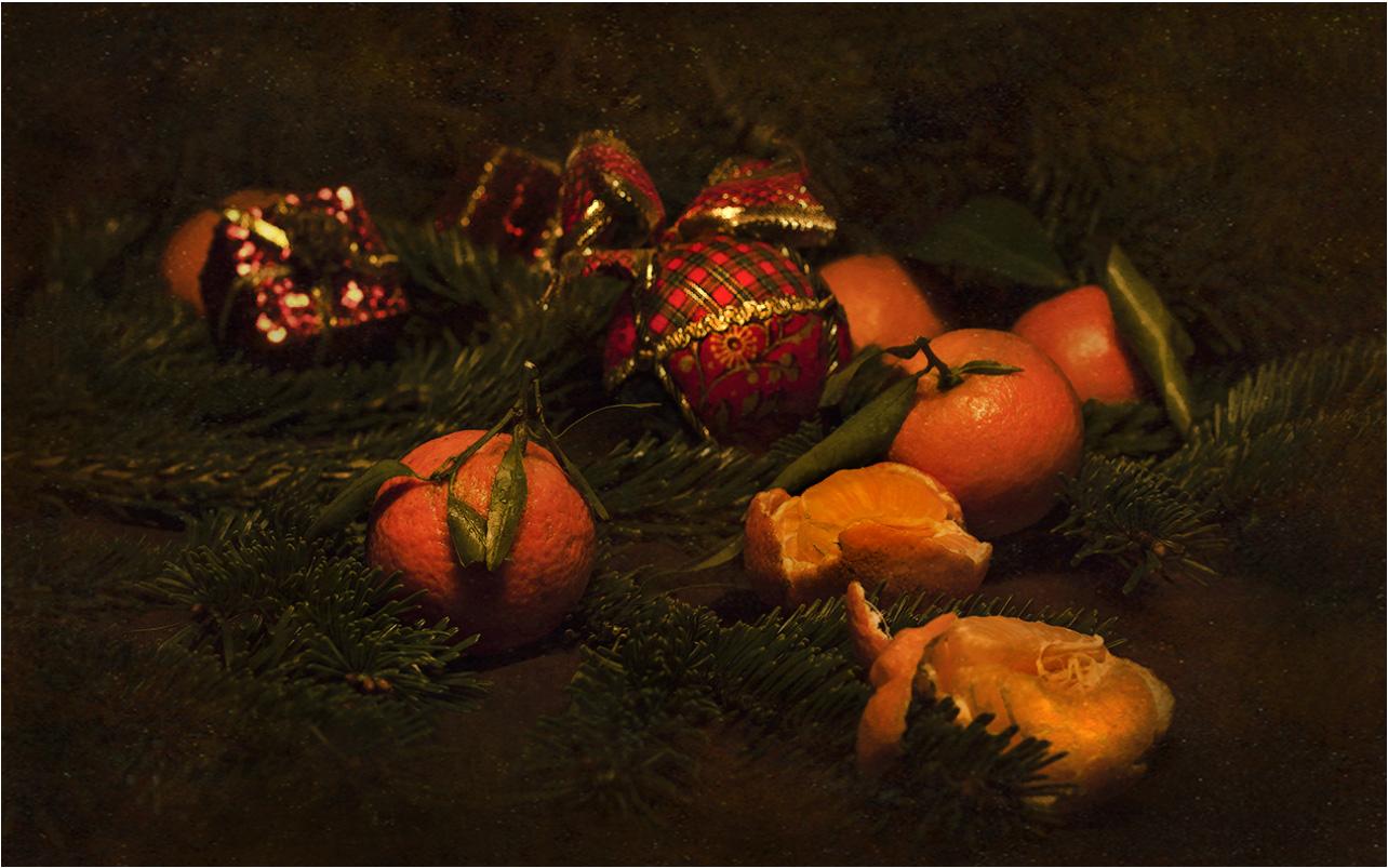"""photo """"The smell of Christmas...."""" tags: still life, foto liubos, мандарины, праздник, ёлка"""
