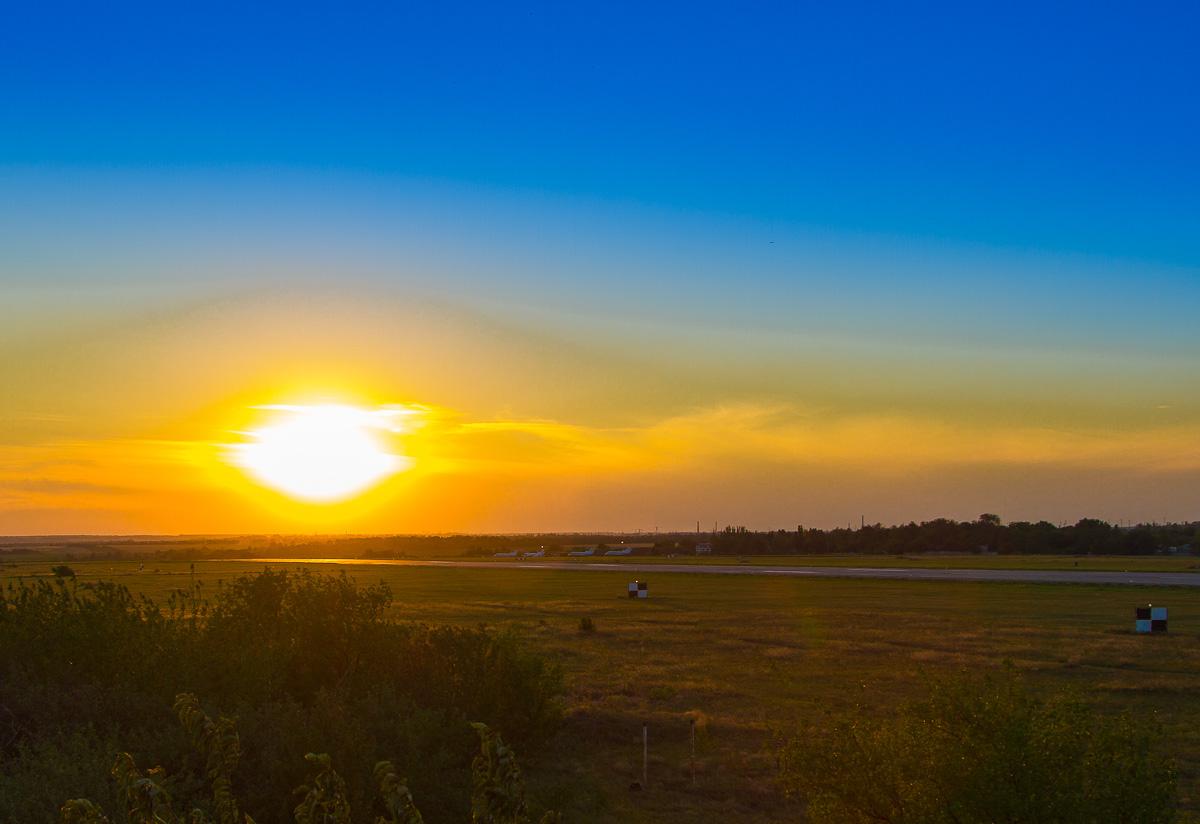 """фото """"Закат над аэродромом."""" метки: ,"""